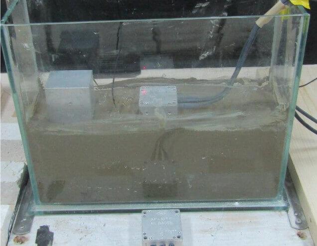 地盤の液状化モデル