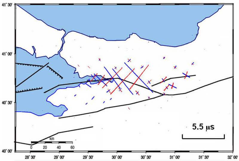 【図-18】1999Kocaeli地震による地表面の永久変位から求めた地表面の永久ひずみ (Aydan et al. 2011)